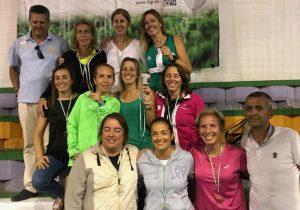 Éxito de las selecciones granadinas de veteranos, subcampeones masculinos y femeninos de Andalucía.
