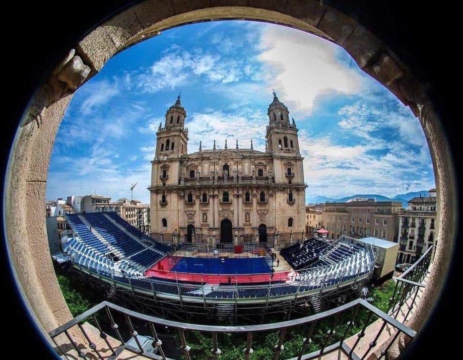 La Catedral del Pádel se engalana para vivir un torneo MO-NU-MEN-TAL